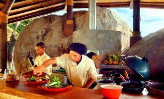 Yusuf, el cocinero del Six Senses de Seychelles, nos enseña a cocinar uno de sus platos favoritos