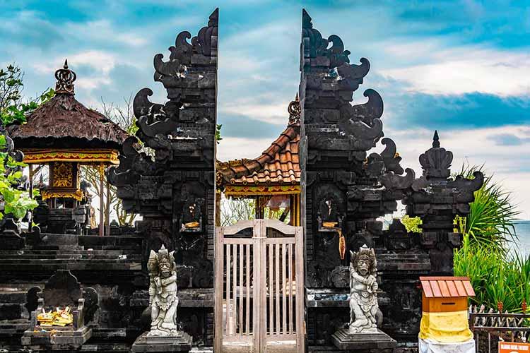 puerta en Tanah Lot Bali